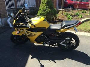 2009 Yamaha FZ6R for sale. 9600 km