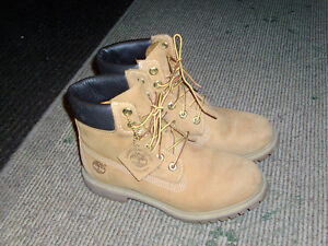 BOTTES TIMBERLAND POUR FEMMES / FOR WOMEN