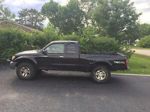 1999 Toyota Tacoma Pickup Truck