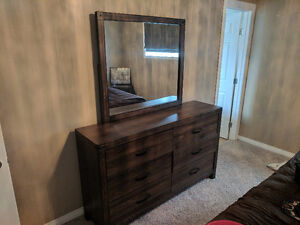 Must sell moving! Dresser and night stand matching ..3068074799
