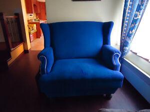 Banc double de couleur bleu