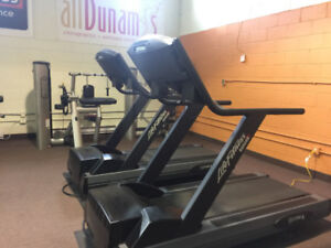 2 LIFE FITNESS 9500HR FOR SALE! $1000.00 EACH