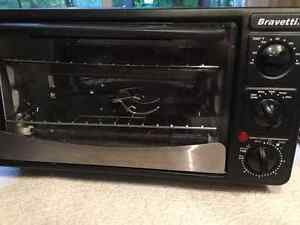 Bravetti Toaster Oven with accessories
