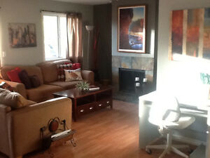 Gorgeous 1 bedroom plus den fully furnished condo 01MAR