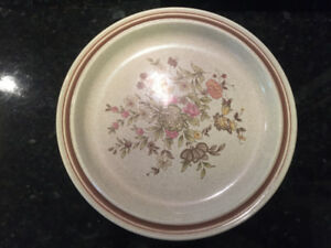 WANT TO BUY ROYAL DOULTON LAMBETHWARE