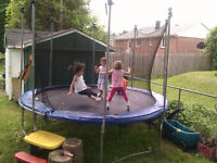 12 Foot Round Trampoline for sale Great Condition
