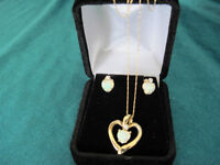 10k yellow gold opal & diamond pendant, chain & studs set