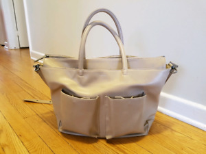 Matt & Nat diaper bag - excellent condition