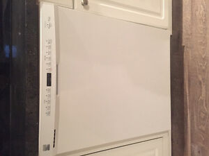 "Kenmore 24"" White Built in dishwasher 1yr old $200firm"