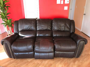 3 seat reclining leather couch/Sofa en cuir 3 places inclinable