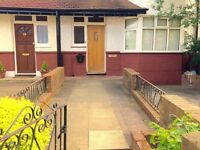 Golders Green/Childs Hill - Classy Large Double Room