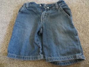 4 pairs boys size 6 denim shorts EUC Kitchener / Waterloo Kitchener Area image 1