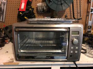 Toaster oven. Black & decker