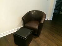 WOW! Tub Chair and matching storage Ottoman-WON'T LAST!!