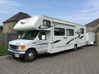 2007 Winnebego Itasca 31 ft Class C Motorhome - LOW MILEAGE