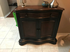 Console table/ Chest