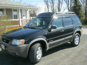 2005 Ford Escape Black cloth SUV, Crossover