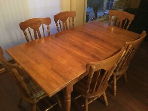 Solid Oak Dining Room Table with Six (6) Chairs