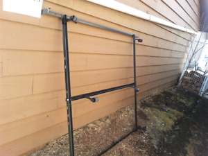 Queen bed frame free