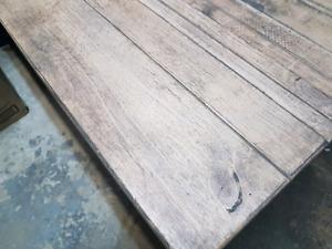 Table à café(salon)  en pin gris