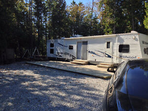 2006 40 Foot Wildwood Trailer 2 Bedroom 2 Bath Electric Tipouts