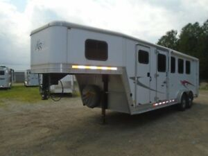 2009 Kiefer Built Trailer 4 Horse Slantload Gooseneck Dress Room