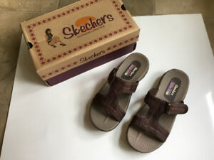New Skechers Sandals sz 6