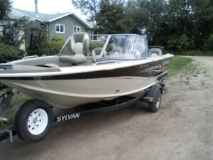 2005, 17 Foot Sylvan Pro Fish with very low hours