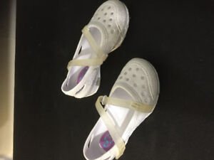 Girl shoes 10$