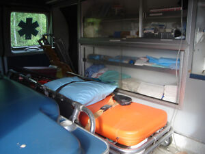 1995 diesel auto7.3 power stroke ambulance and equipment