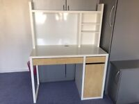 IKEA micke workstation in good condition
