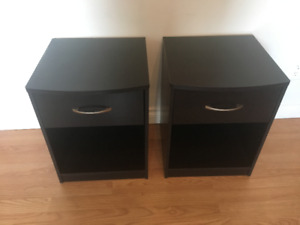 2 Tables de chevet Mainstays