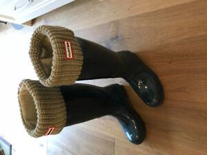 HUNTER BOOTS WOMENS SZ9 with Socks