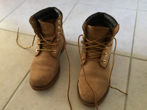 Size 6 timberland boots