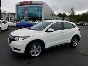 2017 Honda HR-V LX / AWD / Heated Seats