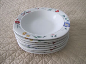 8 BRAND NEW MIKASA FINE CHINA PASTA BOWLS REDUCED