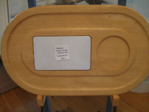 BEAUTIFUL OVAL VINTAGE SOLID WOOD CHEESE CUTTING BOARD / SERVER