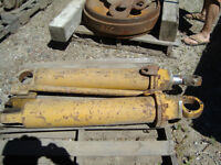 D68U and 9U Used Hydraulic Cylinders