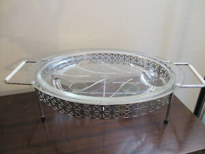 Pyrex Tree of Life Meat Platter with Warming Tray Kitchener / Waterloo Kitchener Area image 1