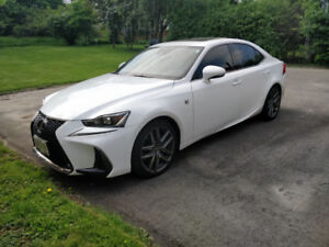 Lexus IS 300 AWD F-Sport 2017 (Lease Takeover, Incentives Incl.)