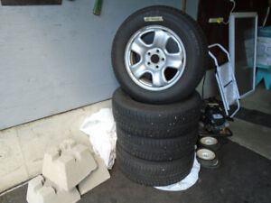 (4) Michelin X ICE 13, Winter Tires With Rims, --- 225 / 65R16