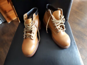 Work Boots Buy Or Sell Used Or New Clothing Online In