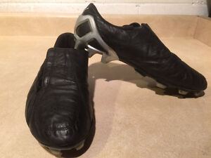 Women's Puma Outdoor Soccer Cleats Size 7.5 London Ontario image 7