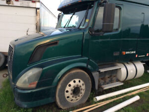 GREAT OFFER: 2007 VOLVO 670 SLEEPER TRUCK