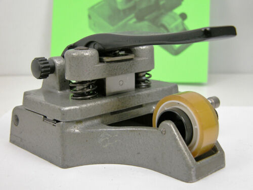 Professional CATOZZO 16MM FILM SPLICER W/Inst & Splicing Tape Nice!