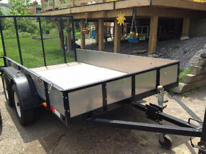 Heavily-built Tandem Utility Trailer 10' x 5.5' with rear ramp