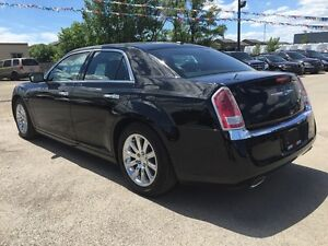 2012 CHRYSLER 300 LIMITED * LEATHER * SUNROOF * BLUETOOTH * REAR London Ontario image 4