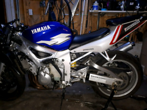 Parting out to Yamaha R6S 99 and 2000