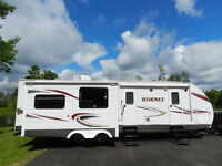 Keystone Hornet 32RLSS 2 Huge Slidouts, Very Large Living Room