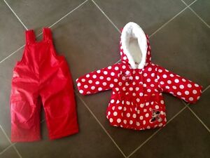 Very cute Minnie Mouse snow suit